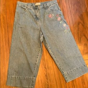Christopher and Banks Jean Capris Size 4 EUC
